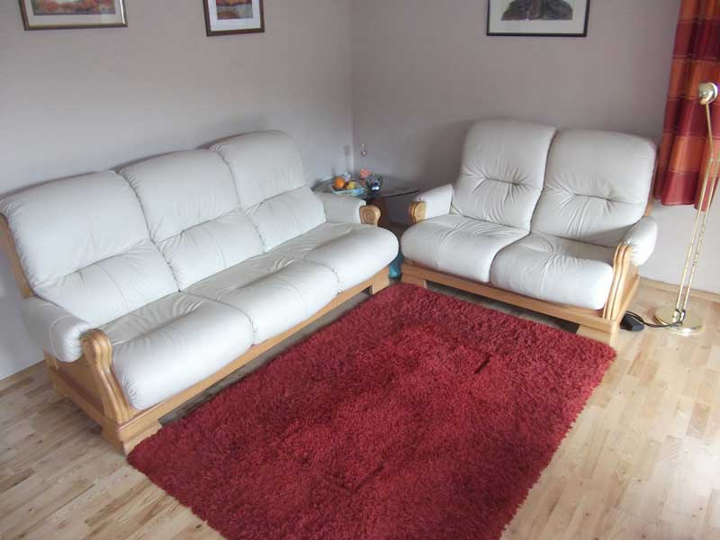 Wohninterior - Couch - in Leder Farbe weiss